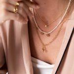 collar perlas charms letras